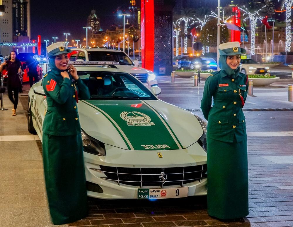 блокчейн для городских служб Дубая
